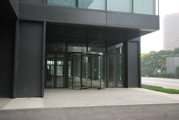 Revolving Door Manufacturer